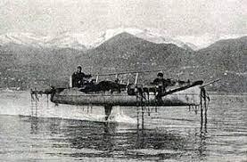 Hydrofoil de 1906 sur le Lac Majeur en Italie. Les prémices du bel avenir du foil.